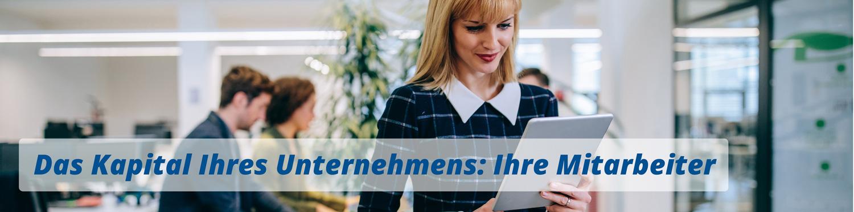 zufriedene Mitarbeiter bei der Arbeit durch betriebliche Mitarbeitervorsorge
